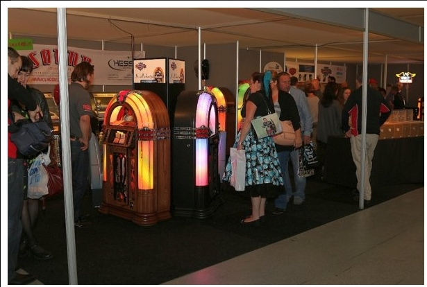 Rock around the Jukebox Experience